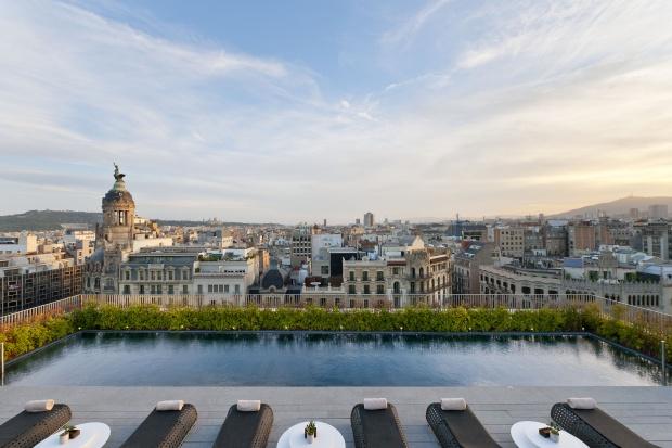 barcelona-leisure-dipping-pool-panorama-6