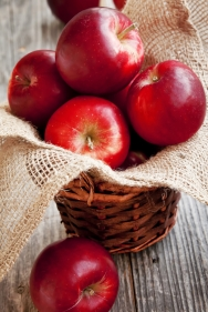 They keep the doctor away but did you know that apples actually help to remove metals from your system? They also reduce cholesterol, detoxify your liver and boost your immune system!